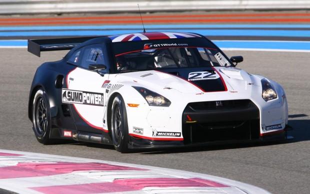 Nissan enthüllt in Paris GT-R für die neue GT1-Weltmeisterschaft