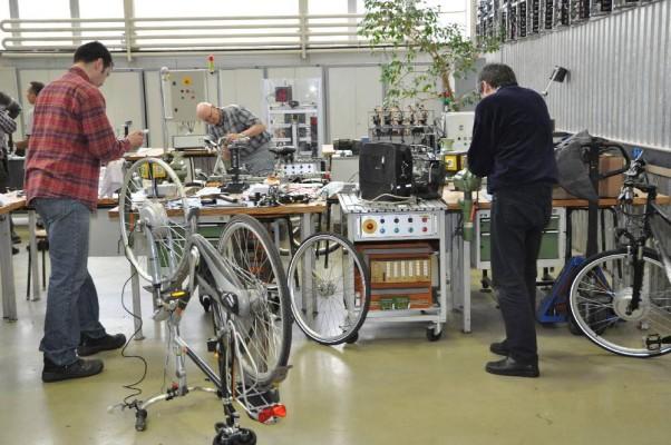 Opel-Ausbildungswerkstatt: Elektromotoren fürs Fahrrad