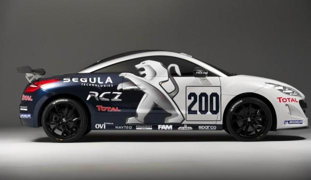 Peugeot setzt zwei RCZ beim 24-Stunden-Rennen ein