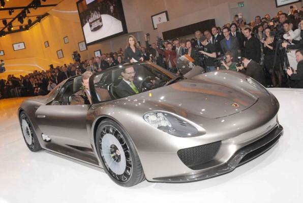 Porsche zeigt in Genf seinen Hybrid-Weg