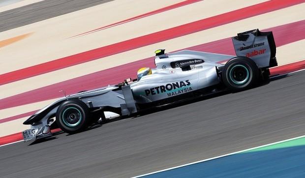 Rosberg erzielt Bestzeit: Schumacher auf Rang 3
