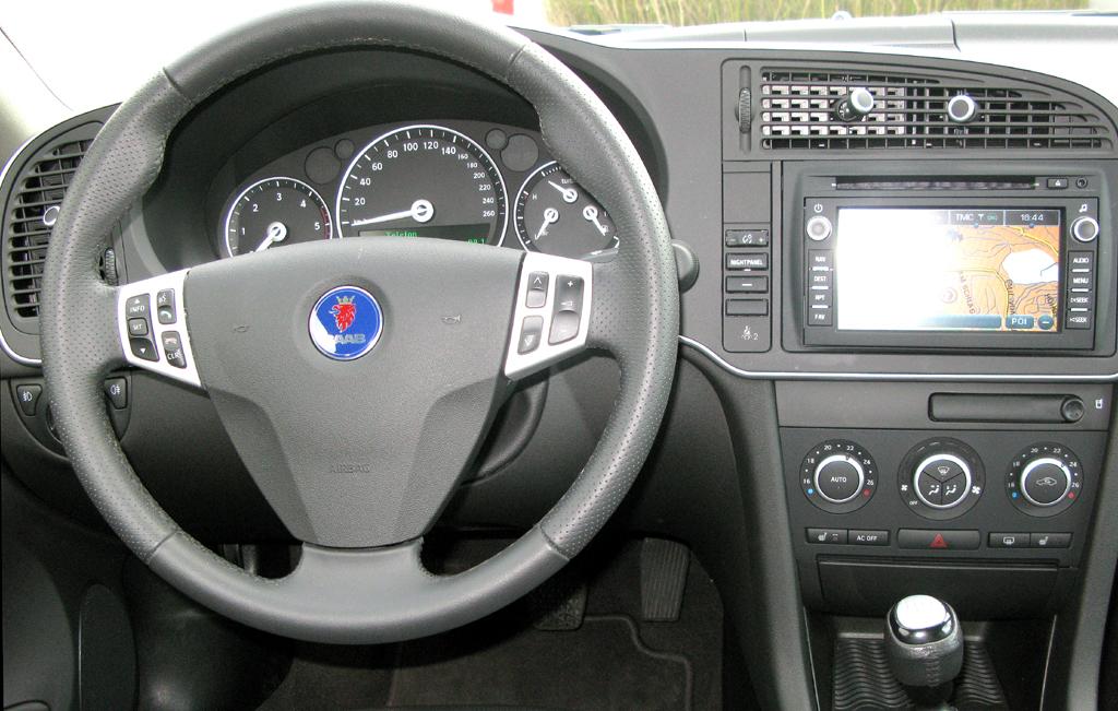 Saab 9-3: Blick ins Cockpit.