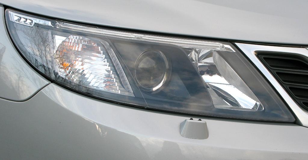 Saab 9-3: Vordere Leuchteinheit.