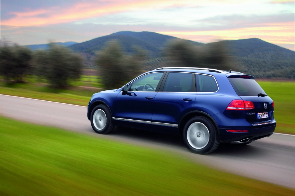 VW Touareg Hybrid: Dünenwanderer mit Doppelantrieb