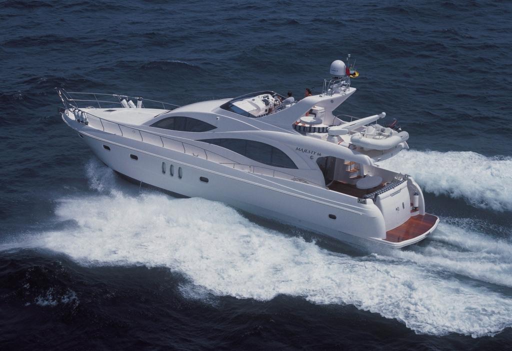 ADAC: Sportschifffahrt - Internationaler Bootsschein muss an Bord sein