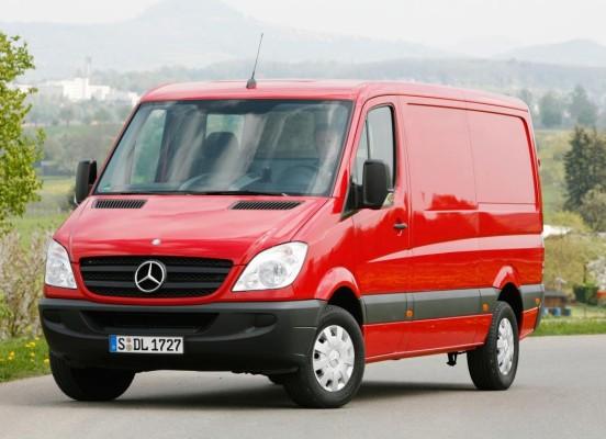 AMI 2010: 30 Profis wählten die ''KEP-Transporter des Jahres 2010''