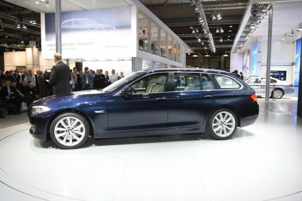 AMI 2010: BMW stellt als Weltneuheit den 5er Touring vor