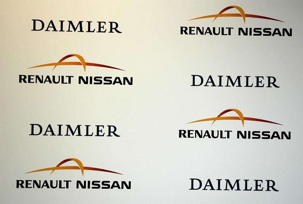 Alles schriftlich: Die strategische Kooperation von Daimler mit Renault/Nissan ist nunmehr perfekt.