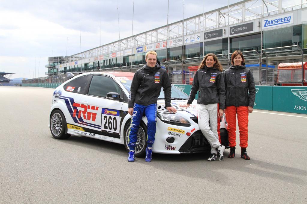 Bilden zusammen mit Stefan Schlesack ein Team (von links): Jari-Matti Latvala, Anja Wassertheurer und Daniela Schmid.