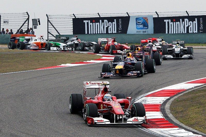 China GP: Button gewinnt vor Hamilton