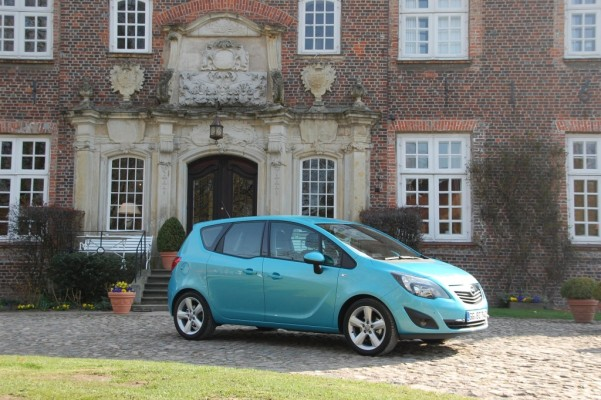Der neue Opel Meriva startet unter 16.000 Euro
