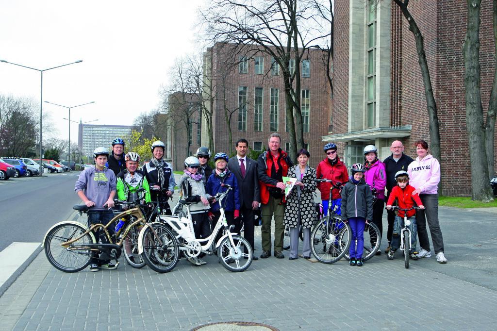 Die Rödinghauser Umweltkids besuchten mit ihren Elektrofahrrädern Volkswagen in Wolfsburg.