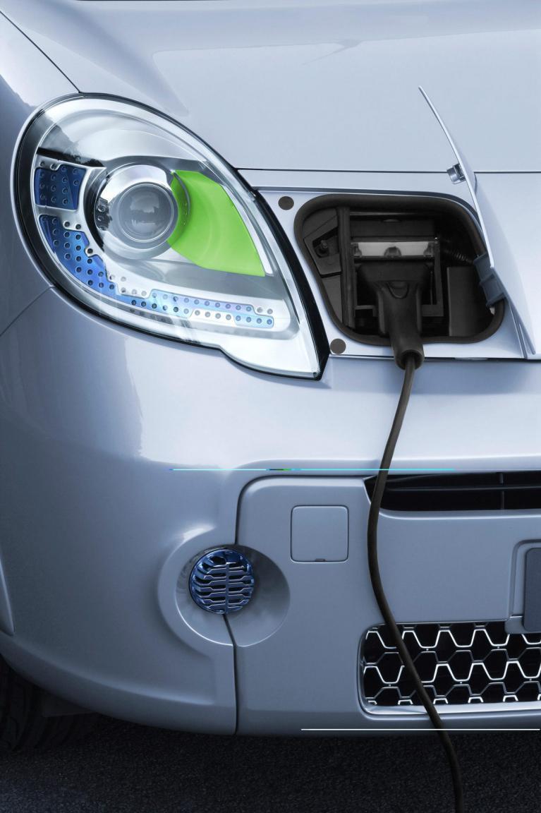 Elektroautos tanken beim Parken