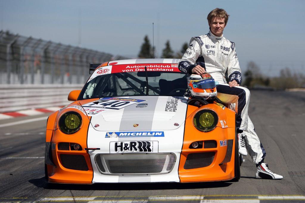 Formel 1-Pilot Nico Hülkenberg unterwegs im Porsche 911 GT3 R Hybrid auf der Nürburgring-Nordschleife