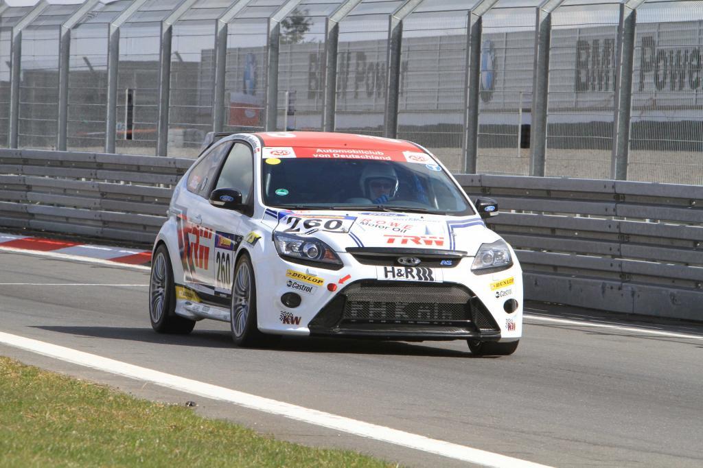 Jari-Matti Latvala fuhr am Wochenende erstmals auf der Rundstrecke statt auf der Rallyepiste.