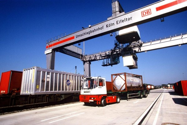 Kombinierter Verkehr mit Containern geschrumpft