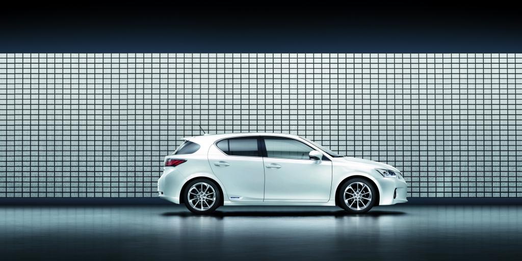 Lexus: Mit Premium-Hybrid in die Kompaktklasse
