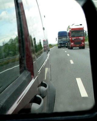 Lkw-Fahrverbot wegen Aschewolke gelockert