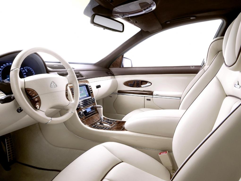 Maybach-Modellpflege: Blick ins genauso luxuriös gestaltete Cockpit.