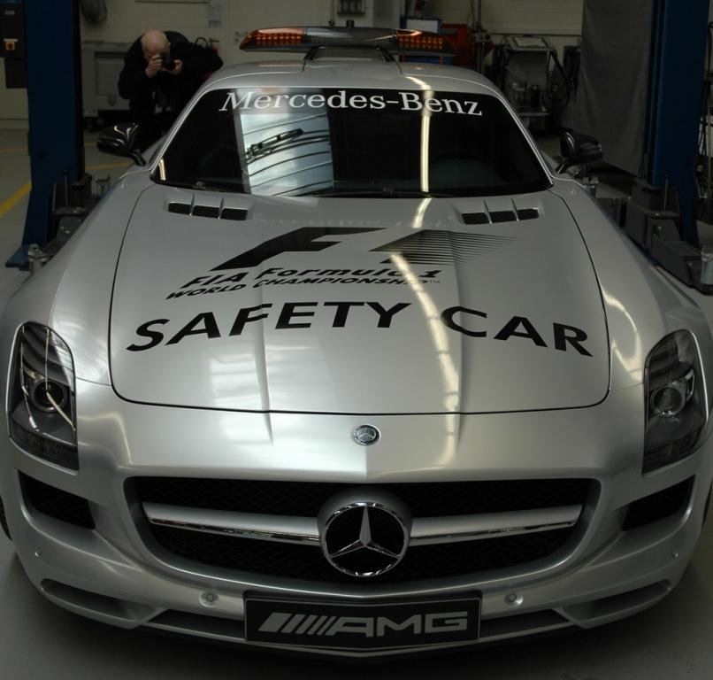 Mercedes-AMG: Die Affalterbacher stellen das Safety- (Foto) und Medical-Car.