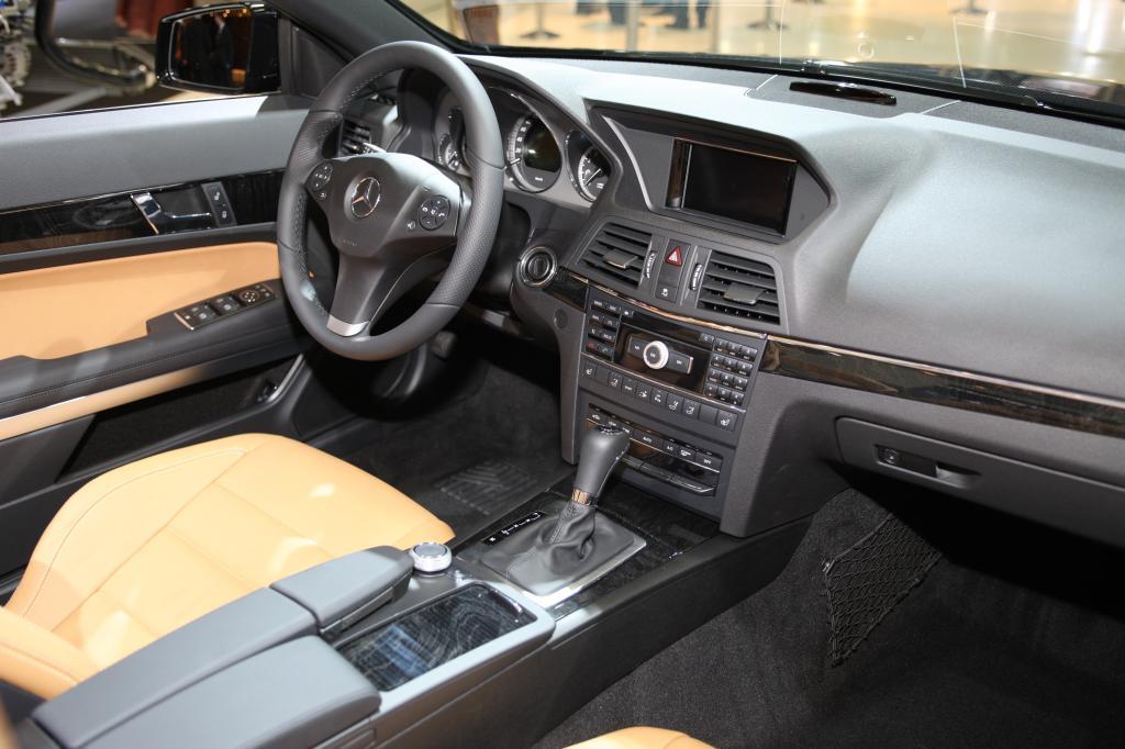 Mercedes-Benz E250 CGI Blue Efficiency.