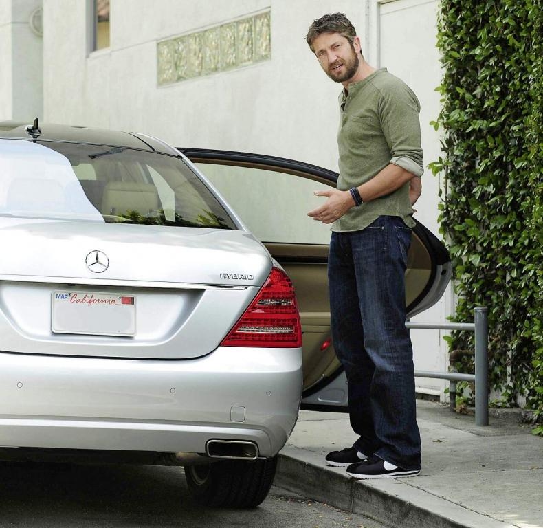 Mercedes-Benz S400 Hybrid: Gerald Butler (Credit: StarTracks)