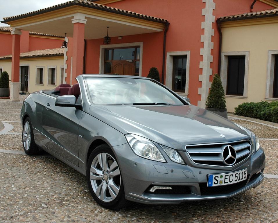 Mercedes E-Klasse: Das Cabrio hat gerade die Baureihe komplettiert.