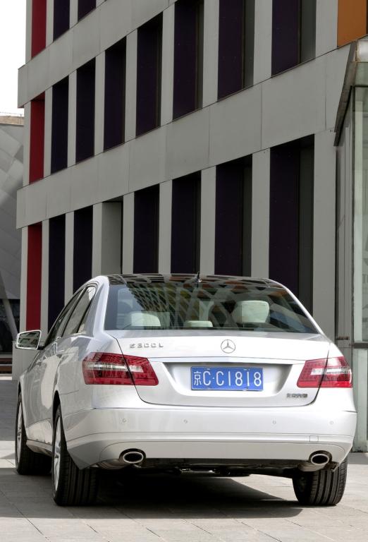 Mercedes E-Klasse lang: Heckansicht.