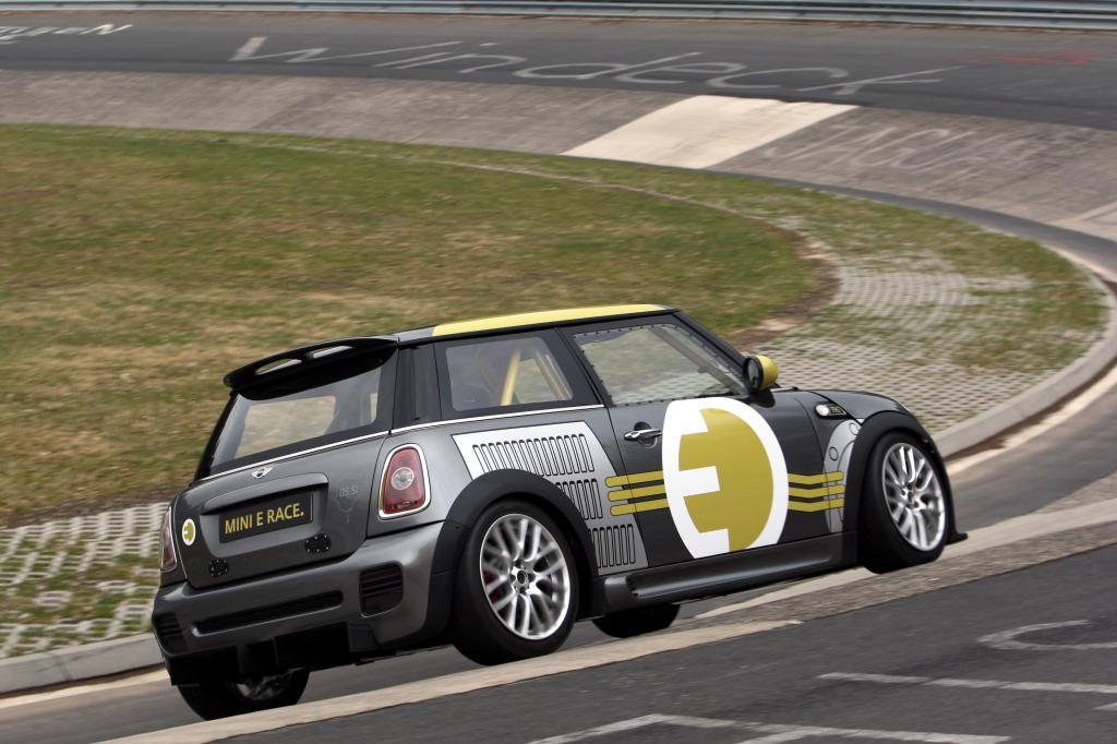 Mini E Race.