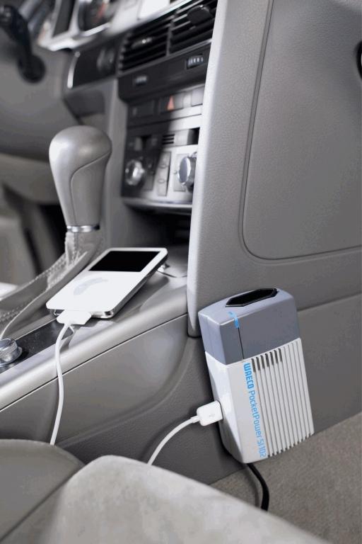 Neben einer 230-Volt-Steckdose verfügt der Wechselrichter auch über einen USB-Anschluss.