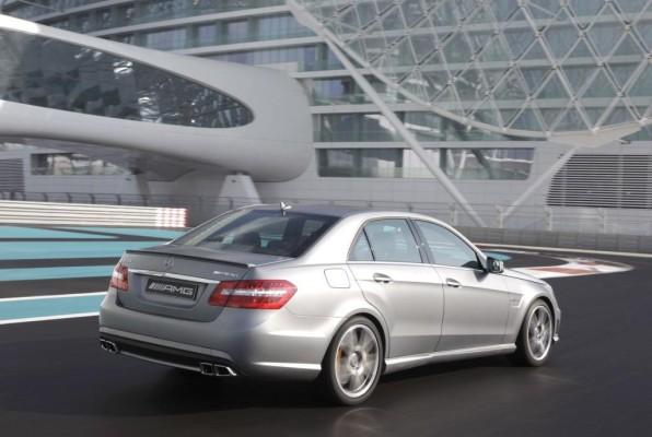 Neues Versicherungs-Paket für Mercedes-AMG-Fahrzeuge