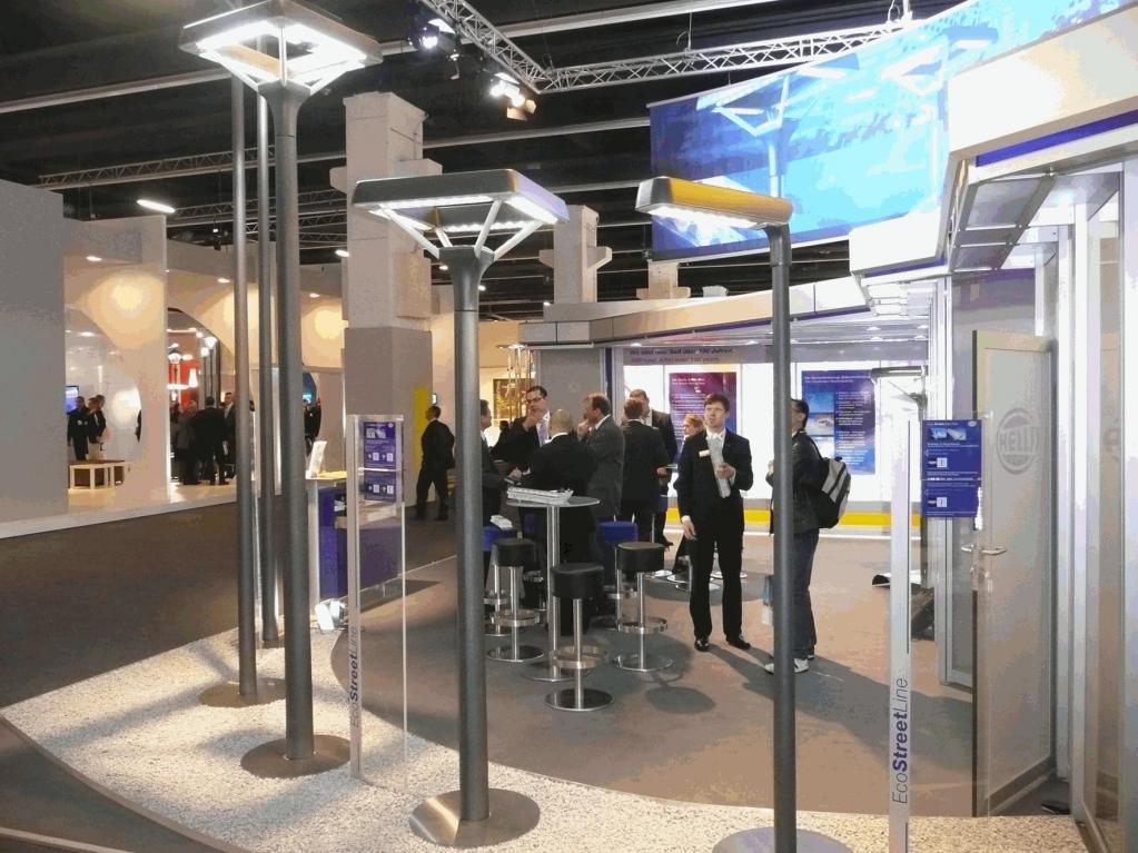 Noch bis zum 16. April zeigt Hella seine LED-Straßenbeleuchtung erstmals auf der Light + Building, der weltweit größten Messe für Architektur und Technik.