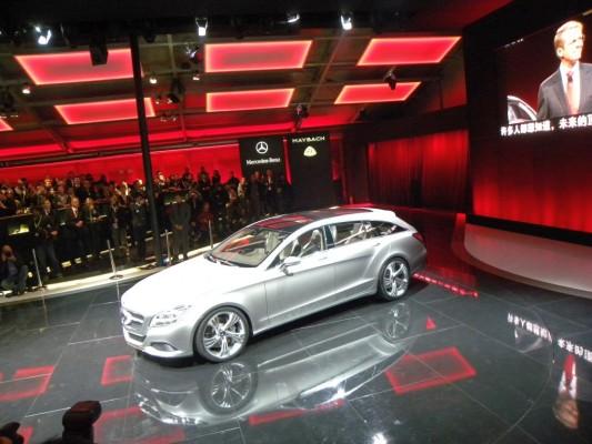 Peking 2010: Mercedes-Benz präsentiert coupéhafte Kombi-Studie