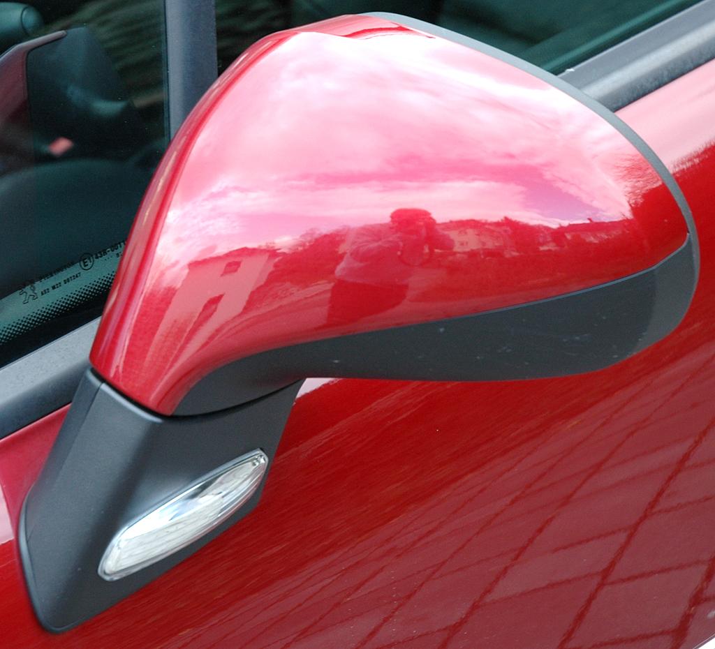Peugeot 207: Außenspiegel.