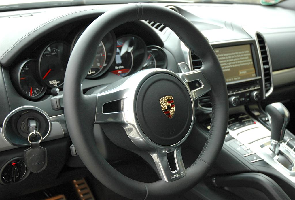 Porsche Cayenne: Blick ins Cockpit.