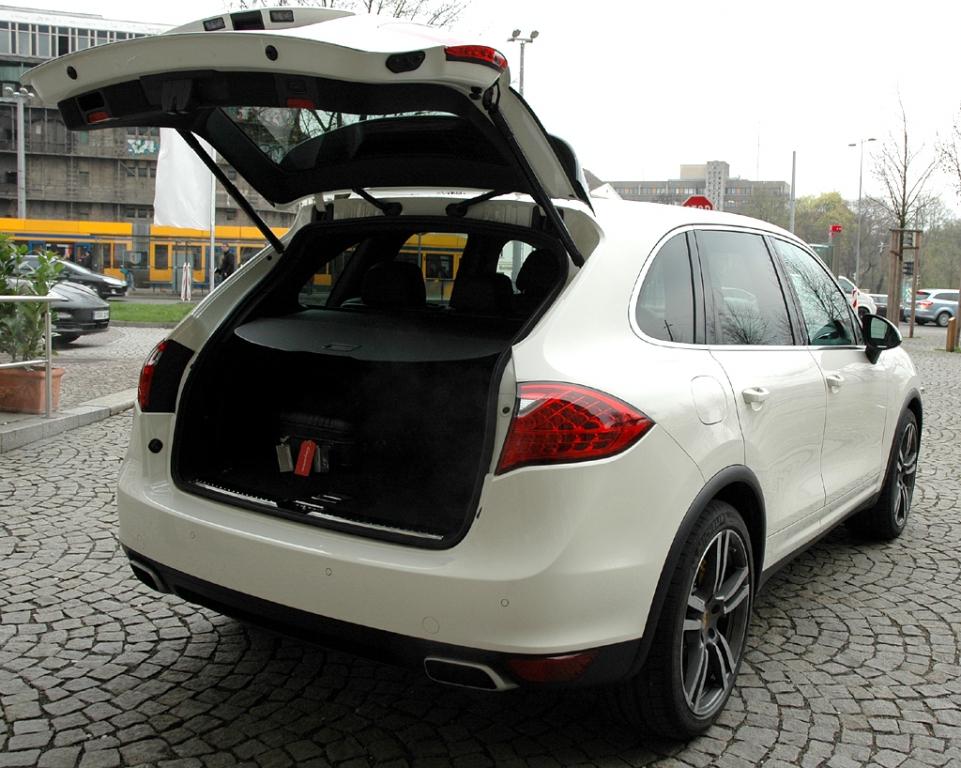 Porsche Cayenne: Große Klappe, großer Kofferraum.