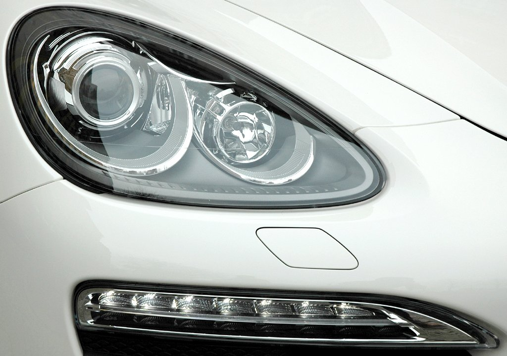 Porsche Cayenne: Leuchteinheit vorn.