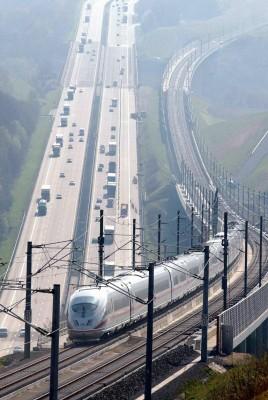 Ramsauer gibt Startschuss für neue Bahnbrücke über den Inn