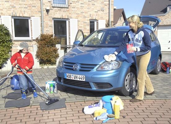 Ratgeber: Die richtige Pflege für den Innenraum des Autos