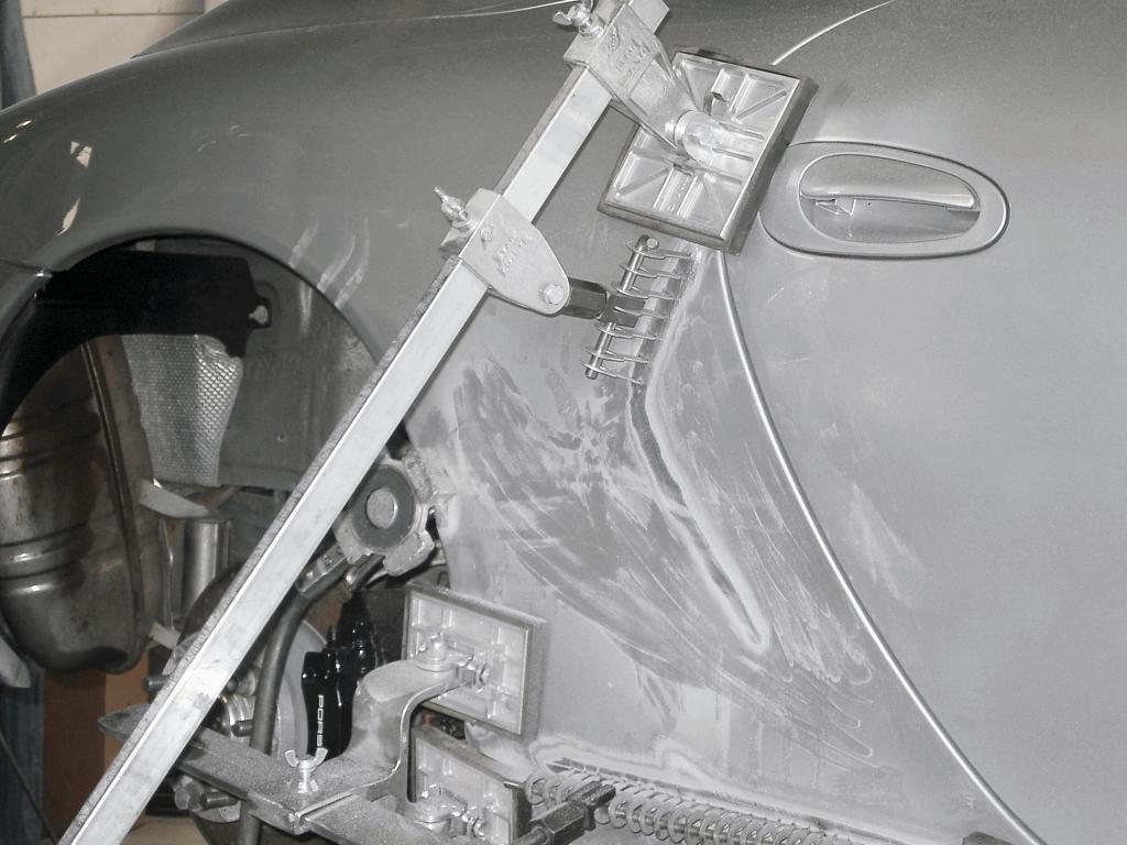 Reparaturwerkzeuge im Einsatz.