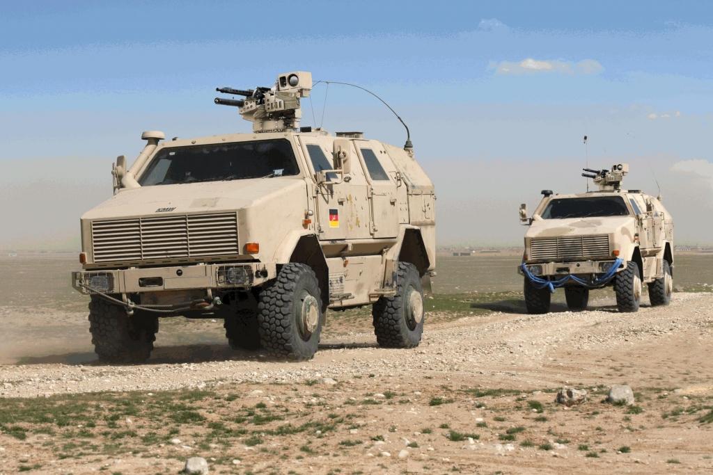 Spezialfahrzeughersteller KMW liefert Instandsetzunsfahrzeuge auf Basis des DINGO 2.