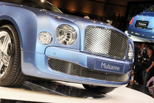 Techno Classica: Bentley mit historischen und aktuellen Schmuckstücken in Essen