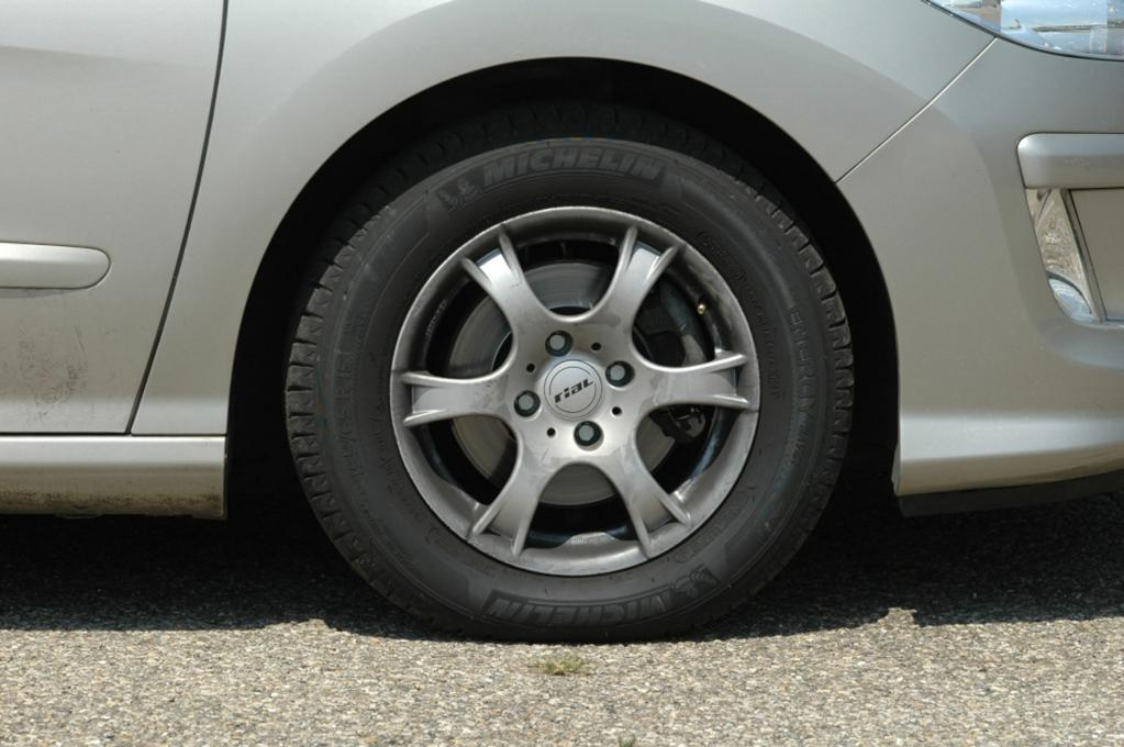 Tipp: Reifen-Check lässt Fahrgestell-Probleme erkennen