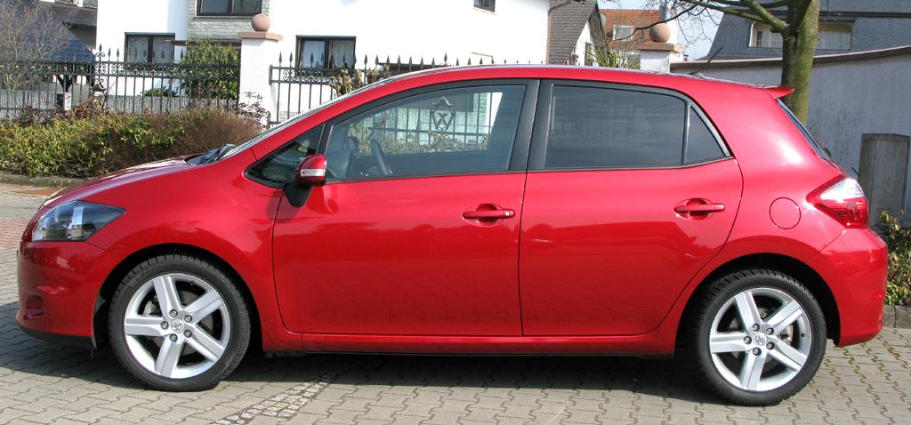 Toyota Auris: Seitenansicht.