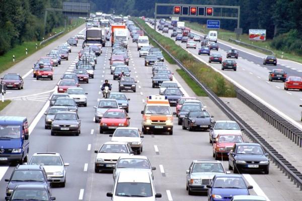 Verkehrsbeeinflussung: Harmonisch und sparsam unterwegs