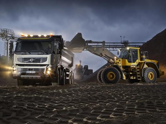 Volvo stellt den FMX für die Baustelle vor