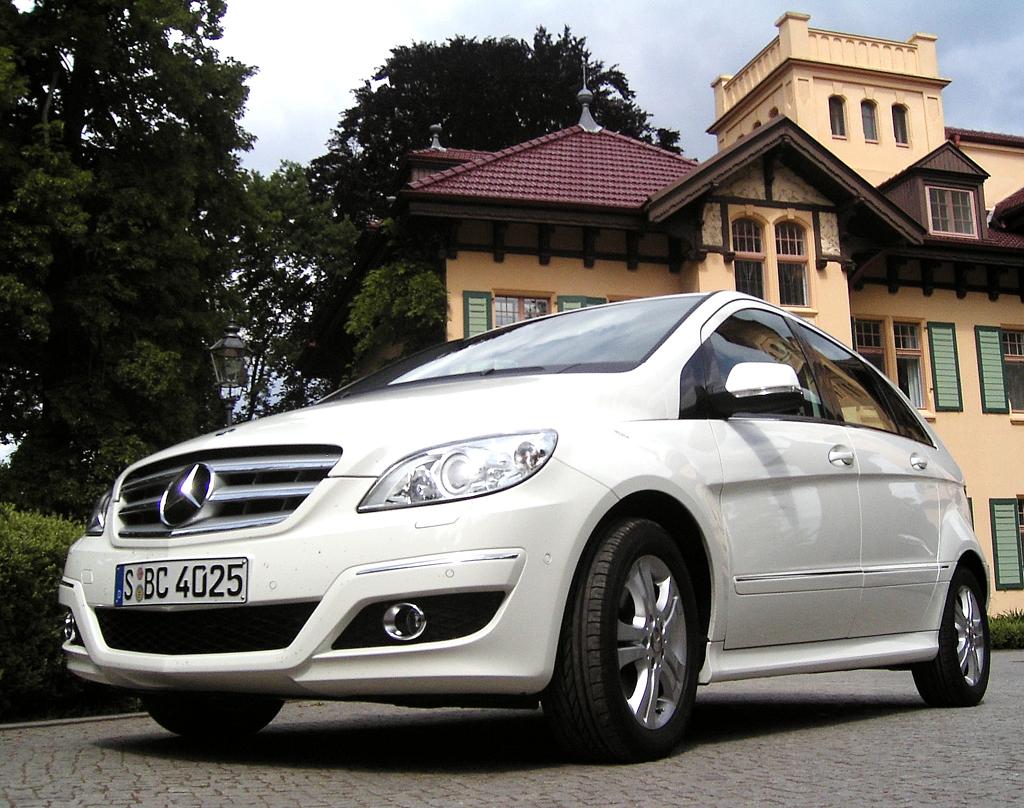 Wenn die A- und B-Klasse (Foto) von Mercedes ihre Nachfolger erhalten, werden sie auch von einem Vierzylinder auf Nissan-Basis angetrieben.