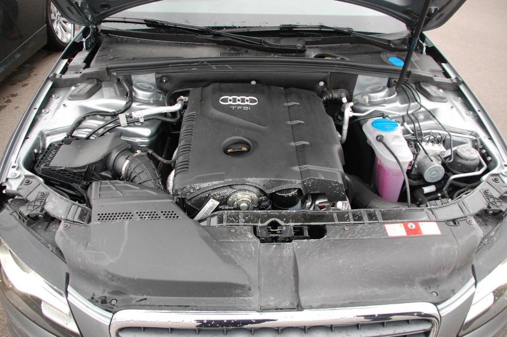 auto.de-Vergleichstest: Audi A4 2.0 T Quattro vs. BMW 325 i Touring