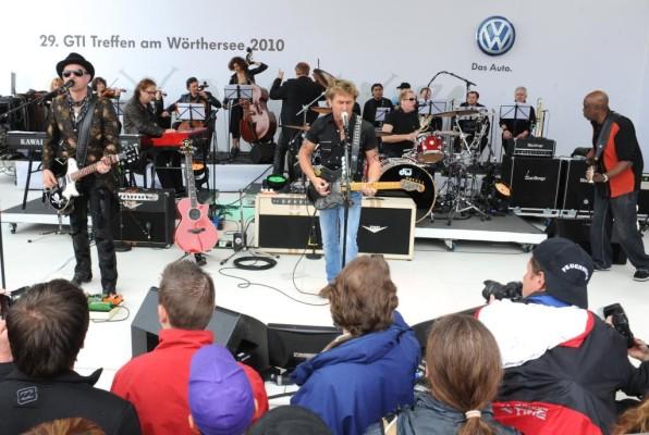 Wörthersee 2010: Maffay heizt mit Philharmonic Volkswagen Orchestra ordentlich ein