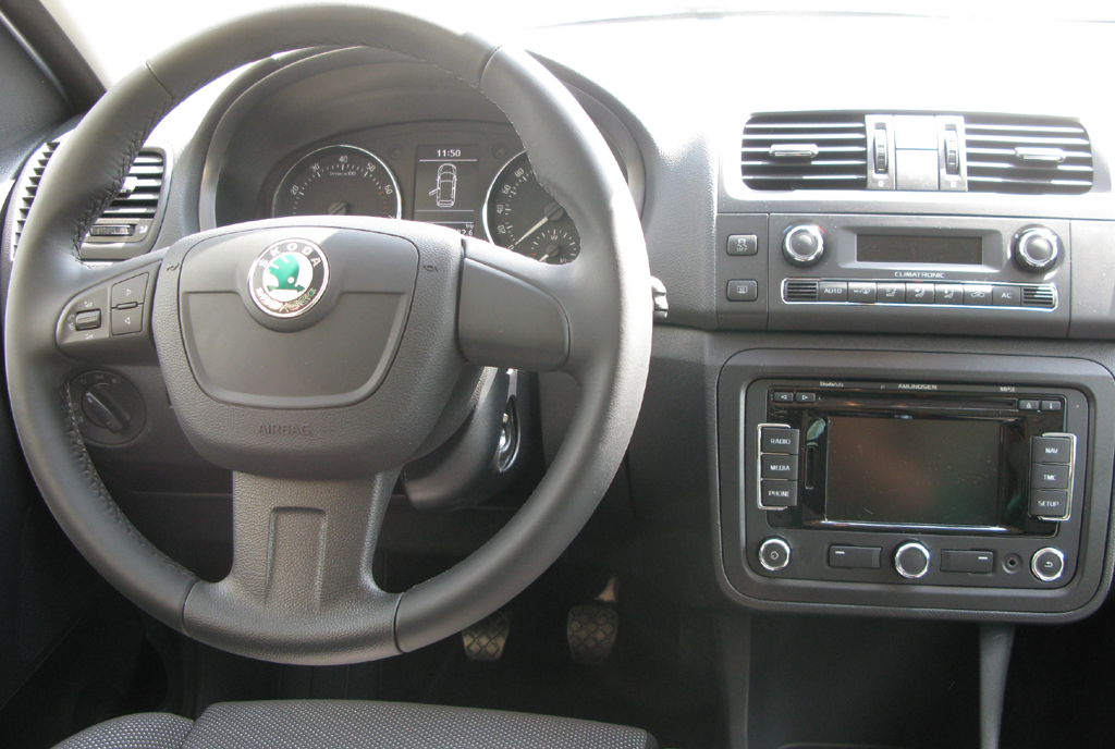 Škoda Roomster: Blick ins Cockpit.